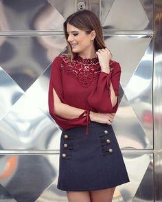 WEBSTA @ arianecanovas - Vinho com marinho  @karmanioficial Que tal?? Apaixonada nessa blusa de renda com lacinho na manga   saia de suede ❤️