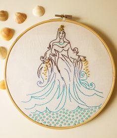 Salve, salve a Rainha do mar. Viva Yemanjá! #yemanjá