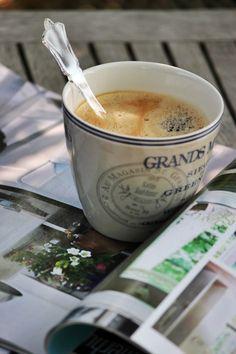 Enjoy your #coffee while reading magazine.