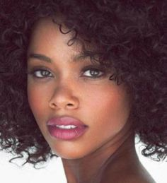 Nails Red And Black Ombre Colour 56 Ideas Pretty Black Girls, Beautiful Black Women, Ebony Beauty, Dark Beauty, Dark Skin Makeup, Hair Makeup, Natural Makeup, Natural Beauty, Natural Face