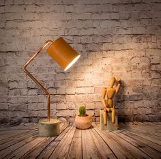 """Lámpara mesa industrial cemento cobre naranja, Lámpara industrial, lata reciclada, Lámpara cemento, Lámpara cobre, Modelo """"Lámpara RCCL04"""" de EunaDesigns en Etsy"""