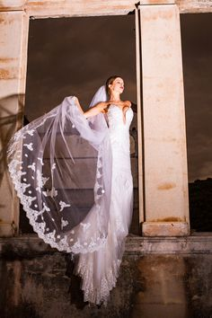 One-tier Cathedral Length Veil With Lace Appliqué Edge (#PB100) - Dream Dresses by P.M.N  - 7