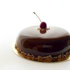 Wild cherry cake, by Anna Tsoy chocolatiera