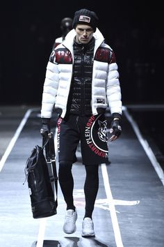 Philipp Plein presents full of testosterone and pheromones new sportswear line Plein Sport Fall/Winter 2017 titled with hashtag Fashion Week, Sport Fashion, Look Fashion, Mens Fashion, Milan Fashion, Mode Masculine, Mode Hip Hop, Look Adidas, Moda Formal