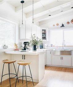 Simple bright kitchen