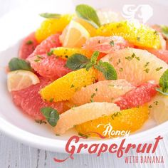 Grapefruit + Bananas: A refreshing fruit salad from Women's Best! Healthy Snacks, Healthy Eating, Healthy Recipes, Great Recipes, Favorite Recipes, Clean Eating, Food Porn, Nutrition, Vegan