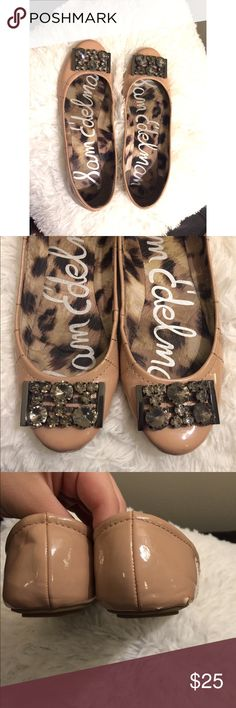 Sam Edelman Nude Jeweled Flats Nude jeweled flats. Size 7.5 Sam Edelman, great condition, only flaw is on the back right shoe as shown in pic... Not really noticeable when worn! Sam Edelman Shoes Flats & Loafers