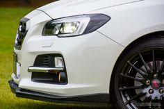 スバル『レヴォーグ』には、STIの手により内外装の質感、走行性能を高める各種パーツが取り揃えられている。[写真8]