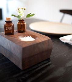 DIY Tutorial DIY Home Decor / DIY project: wood bud vase and salt dish - Bead&Cord Diy House Projects, Cool Diy Projects, Wood Projects, Furniture Projects, Creation Deco, Bud Vases, Beautiful Kitchens, Diy Kitchen, Kitchen Time