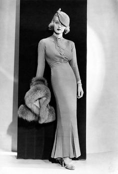 Fashion Obsession - Vintage Gal Bette Davis in Fashions of 1934 gowns by Orry-KellyBette Davis in Fashions of 1934 gowns by Orry-Kelly Hollywood Vintage, Old Hollywood Glamour, Classic Hollywood, Hollywood Style, Hollywood Fashion, Hollywood Actresses, 1930s Fashion, Look Fashion, Retro Fashion