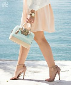 US Blogger Kristin Clark of Living In Color Print looks perfect in pastels, carrying the must-have FURLA Candy bag of the season!