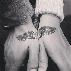 Heart and wings partner tattoo hand, partner tattoos, relationship tattoos, couple tattoos love Couples Tattoo Designs, Heart Tattoo Designs, Matching Best Friend Tattoos, Matching Tattoos, Couple Tattoos Love, Love Tattoos, Ring Tattoos, Amazing Tattoos, Trendy Tattoos