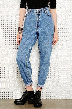 Vintage Renewal Levi's 550 Jeans in Light Wash Blue Denim £35