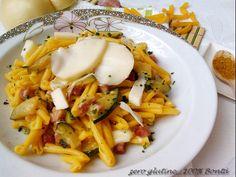 Pasta zucchine speck e curry