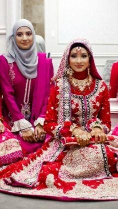 Dulhan, hijab, hijabi http://beautifulsouthasianbrides.tumblr.com/post/66305023319/photo-by-darkroom-doctors