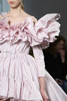 Giambattista Valli at Couture Spring 2017 - Details Runway Photos