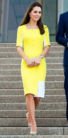 The Duchess of Cambridge stepped off the plane in Sydney looking immaculate  in a sunny yellow ea1a773e1