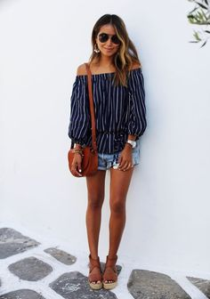 Image via I know, I know…the off the shoulder trend is nothing new at this point.  This style is everywhere these days from tops to dresses to sweaters, even swim suits.  So, you may be wondering why I'm choosing now to talk about how to wear this season's latest trend.  It's because I have yet(...)