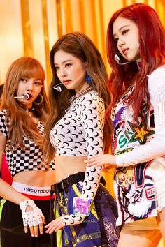 Blackpink and BTS. Just say their names,everyone in the school k… Blackpink Lisa, Kim Jennie, Melanie Martinez, South Korean Girls, Korean Girl Groups, Korean Women, Comeback Stage, Tumbrl Girls, Chica Cool