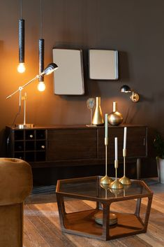 Couchtisch Sita in natur von Dutchbone Flamingo Royale Hexagon Coffee Table, Desk Lamp, Table Lamp, Cosy Sofa, Petites Tables, Interior Concept, Walnut Veneer, Sit Back And Relax, Coffee Table Books