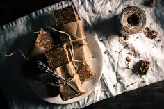 Proteiinipatukat maapähkinävoista ja siemenistä