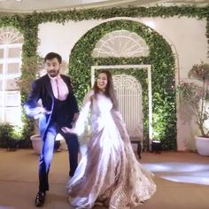 Couple Dancing beautifully on Bollywood song Couple dancing on Bollywood song tan tana tan Wedding Night Video, Wedding Dance Video, Wedding Videos, Couple Wedding Dress, Wedding Couples, Wedding Dresses, Tan Wedding, Wedding Pics, Burgundy Wedding