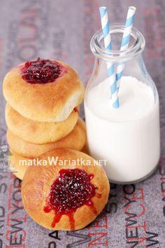 buns with raspberry jam