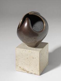 """CARMEN PERUJO """"Caracola"""" Escultura de bronce. Ejemplar 63/200 7x15x9cm"""