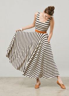 Nadia Tarr navy and cream dress Mode Pop, Moda Casual, Mode Outfits, Mode Style, Dress Me Up, Striped Dress, Striped Maxi Skirts, Striped Pants, Dress Black