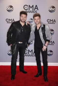 """""""The Annual CMA Awards"""" airs LIVE from Nashville's Bridgestone Arena in Nashville, TN on Wednesday, Nov. 2019 on ABC Television Network. American Country Music Awards, American Awards, Academy Of Country Music, Country Music Stars, Country Female Singers, Country Music Singers, Cma Awards, Nashville, Wednesday"""