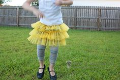 Fluffy Chiffon Skirt via @MakeItAndLoveIt *Think i might make part of my halloween costume like this!