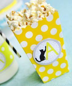 Pudełko na popcorn żółte w groszki - partymika