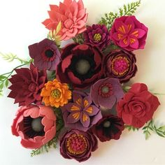 This beautiful display of flowers from reminds me of the changing leaves outside of my window right now. Handmade Flowers, Diy Flowers, Fabric Flowers, Paper Flowers, Felted Flowers, Felt Diy, Felt Crafts, Fabric Crafts, Diy Crafts