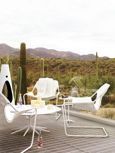 An outdoor version of the classic Paulistano Armchair, designed by Paulo Mendes da Rocha.