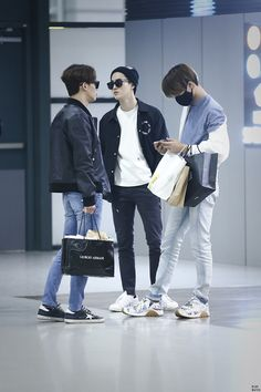 airport fashion kim jongdae, kim junmyeon, kim jongin #kai #suho #chen