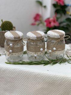 Burlap Mason Jars, Mason Jar Diy, Mason Jar Crafts, Baby Food Jar Crafts, Diy Crafts For Kids, Paper Flowers Craft, Flower Crafts, Jute Crafts, Paint Your Own Pottery