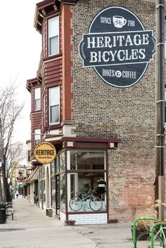 exterior of heritage bicycles, a coffee shop + bicycle store in chicago, illinois Web Design, Cafe Design, Lago Michigan, Webdesign Inspiration, Exterior Signage, Cafe Shop, Cafe Bar, Shop Fronts, Store Signs