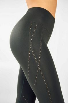 Shop for leggings, shorts & skirts at Fabletics. Komplette Outfits, Sporty Outfits, Fashion Outfits, Stylish Outfits, Girly Outfits, Fashion Group, Kate Hudson, Capri, Yoga Pilates