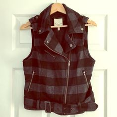 Buffalo Check Vest | Forever 21 | Size Med Adorable vest from Forever 21. Dark gray and black buffalo check print. Asymmetrical zipper. Pockets! GUC. Size medium. Pairs well with skinnies and boots. The bottom is belted for a clean slim look. Just too tight on me in the chest any more. Forever 21 Jackets & Coats Vests