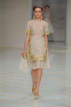 e75b9f795ff8 GUO PEI SPRING   SUMMER COUTURE COLLECTION 2016  EZONEFASHION Vogue Paris,  Designer Collection,