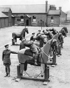 ★ Old Black & White Photo March New recruits at the barracks of the Queen's Own Hussars, a British cavalry outfit that dated to the century, learned balance on wooden horses. Photo: The New York Times Old Pictures, Old Photos, History Online, Wooden Horse, Historical Pictures, British History, World War I, Military History, Vintage Photographs