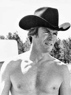 EVERY WHICH WAY BUT LOOSE (1978) - Clint Eastwood (pictured) - Sondra Locke - Geoffrey Lewis - Beverly D'Angelo - Ruth Gordon - A Malpaso Company Film - Produced by Robert Daley - Directed by James Fargo - Warner Bros. - Publicity Still.