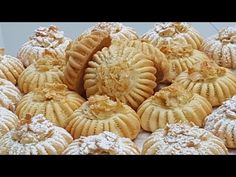 حلويات العيد 2019 صابلي بحشوة روعة يذوب في الفمgateaux laid 2019 - YouTube Biscuit Cookies, Cookie Dough, Eid Food, Arabic Sweets, Apple Pie, Biscuits, Sweet Treats, Stuffed Mushrooms, Food And Drink