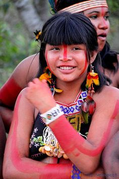 young girl indian gaviao from south america, from Para privince, Brasil South American Girls, Native American Women, American Indians, Cultures Du Monde, World Cultures, Cherokees, Beautiful World, Beautiful People, Xingu