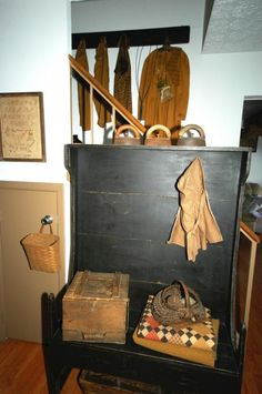 Primitive Living Room, Early 1800's Primitive Keeping Room, Living ...