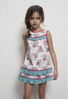 Tartaleta: Primavera Verano 2014 - Not a pattern, but such a cute shift dress. Little Girl Outfits, Little Girl Dresses, Kids Outfits, Baby Girl Dresses, Baby Dress, Cute Dresses, Little Girl Fashion, Kids Fashion, Blog Couture