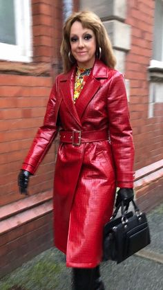 Red Raincoat, Plastic Pants, Leather Fashion, Red Leather, Women's Fashion, Rain Wear, Lady, Model, How To Wear