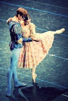 etoilesduballet:  Friedemann Vogel and Alina Cojocaru in Romeo and Juliet at Teatro Alla Scala Photo (c) Hidemi Seto