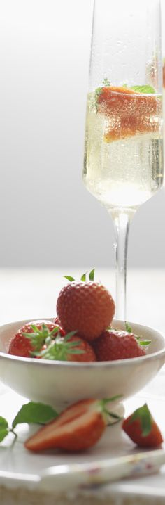 There's nothing more quintessentially British than Champagne and strawberries at Wimbledon. Cheers!