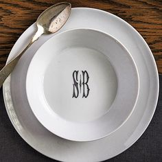 Isn\u0027t this monogrammed dinnerware fabulous? Sasha Nicholas Monogrammed Dinnerware. | Home Decor | Pinterest | Home The o\u0027jays and On sunday : monogrammed dinnerware - pezcame.com